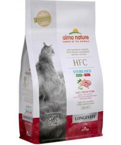 Корм для взрослых и пожилых стерилизованных кошек, со свежей свининой (45% мяса)